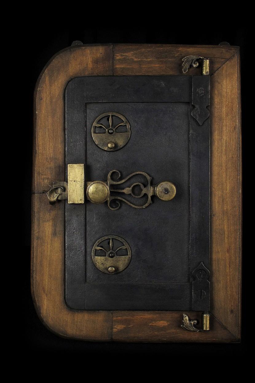 curieuse et ancienne boite clefs old school bazaar