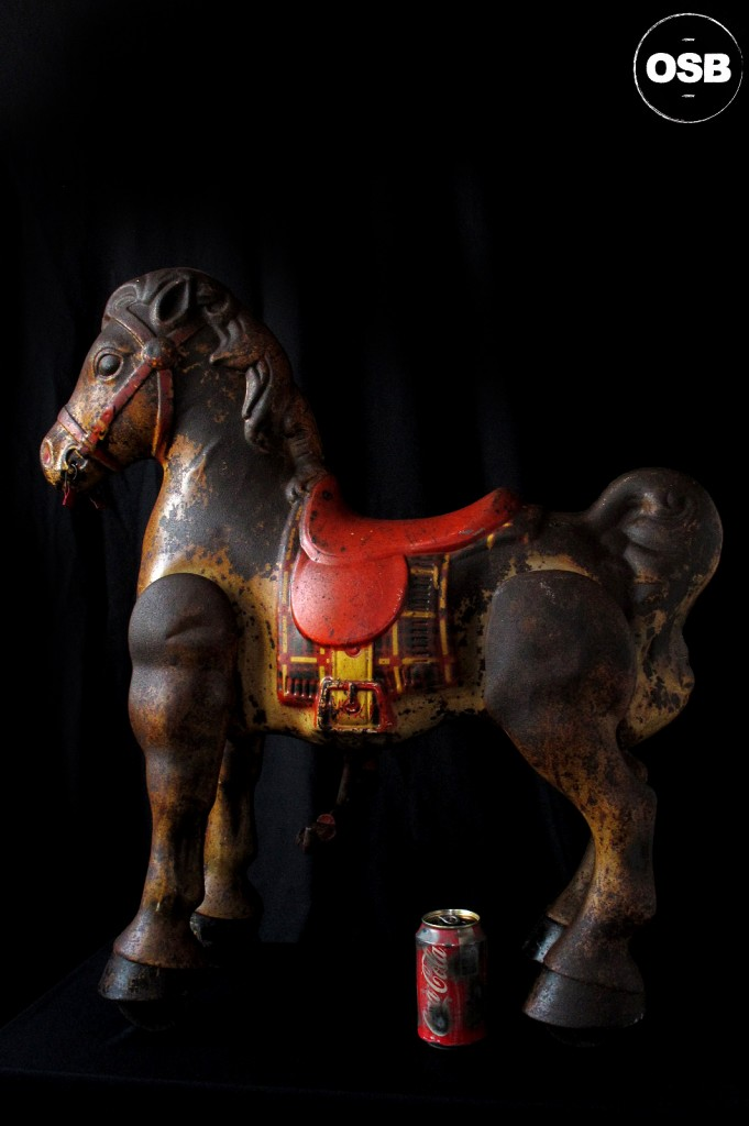 CHEVAL TROTTEUR ANCIEN MODO MADE IN ENGLAND DECORATION VINTAGE LOFT INDUSTRIEL JOUET ANCIEN PATINE DU TEMPS DECORATION OLD SCHOOL BAZAAR 11