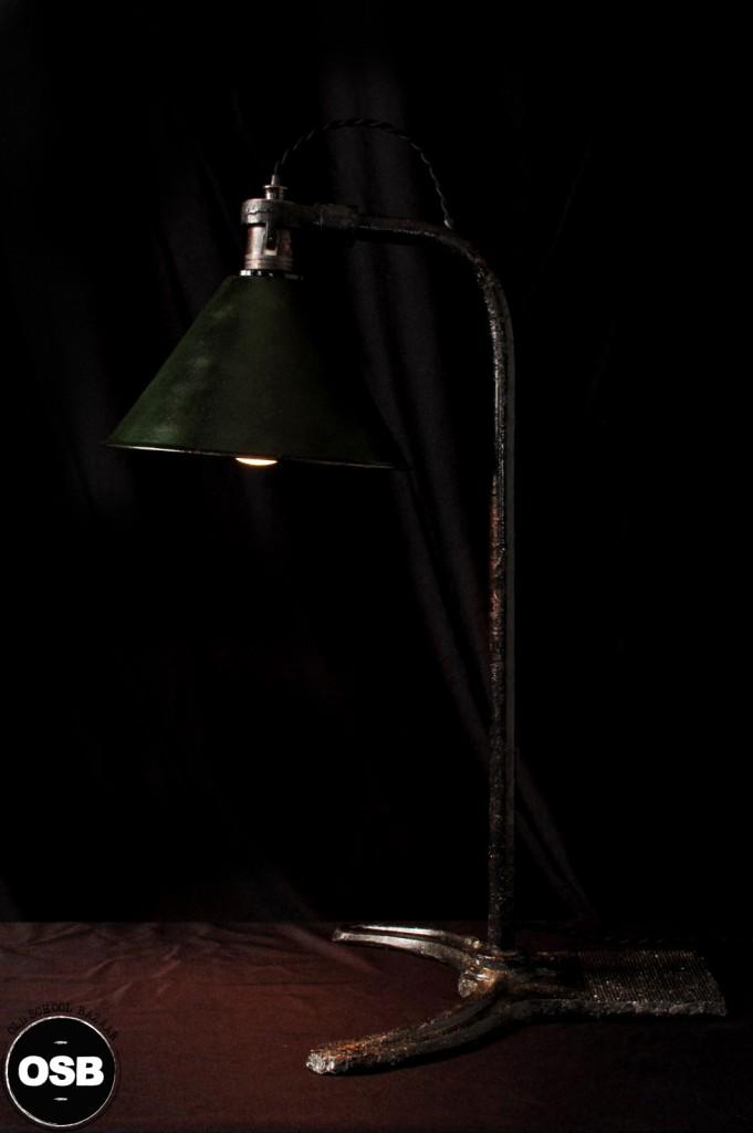 LAMPE ANCIENNE ATELIER OBJET DE METIER DECORATION INDUSTRIELLE LUMINAIRE ANCIEN INDUS DECORATION VINTAGE OLD SCHOOL BAZAAR 2