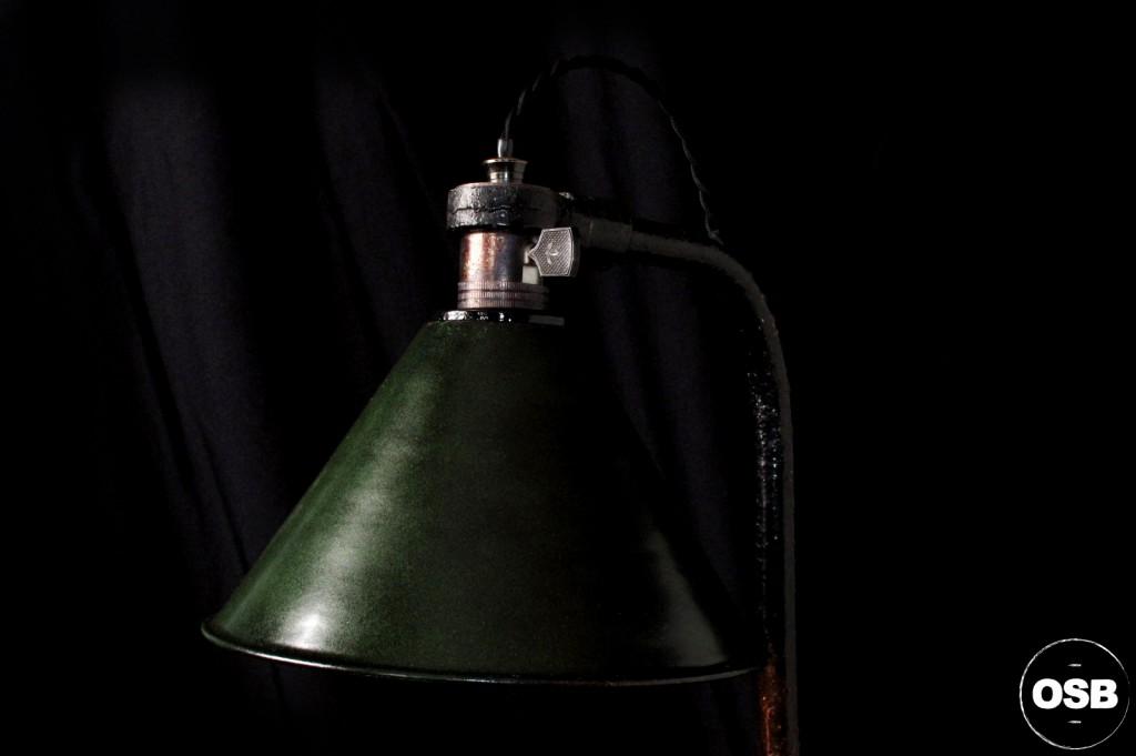 LAMPE ANCIENNE ATELIER OBJET DE METIER DECORATION INDUSTRIELLE LUMINAIRE ANCIEN INDUS DECORATION VINTAGE OLD SCHOOL BAZAAR 6