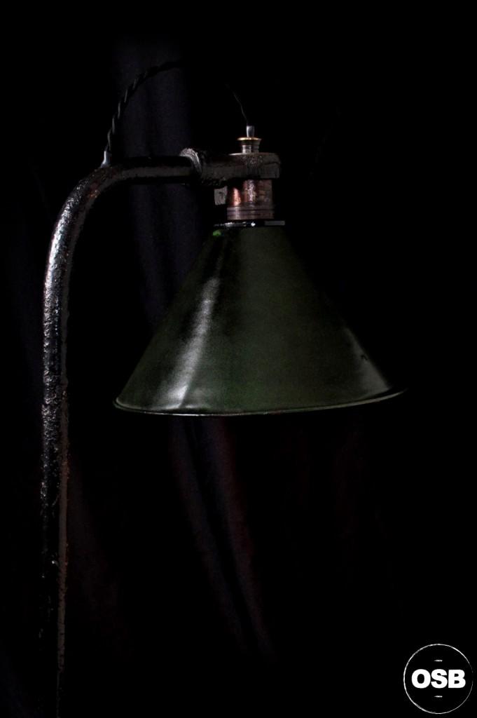 LAMPE ANCIENNE ATELIER OBJET DE METIER DECORATION INDUSTRIELLE LUMINAIRE ANCIEN INDUS DECORATION VINTAGE OLD SCHOOL BAZAAR 7