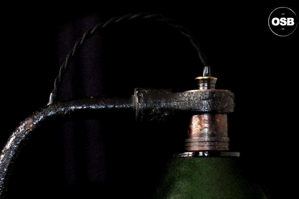 LAMPE ANCIENNE ATELIER OBJET DE METIER DECORATION INDUSTRIELLE LUMINAIRE ANCIEN INDUS DECORATION VINTAGE OLD SCHOOL BAZAAR 8