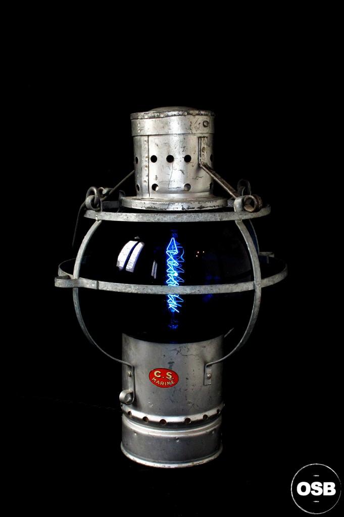 LAMPE LANTERNE COURSIVE BATEAU ANCIEN VERRE BLEU ELECTRIFIEE DECORATION MARINE ANCIEN LUMINAIRE OLD SCHOOL BAZAAR 1