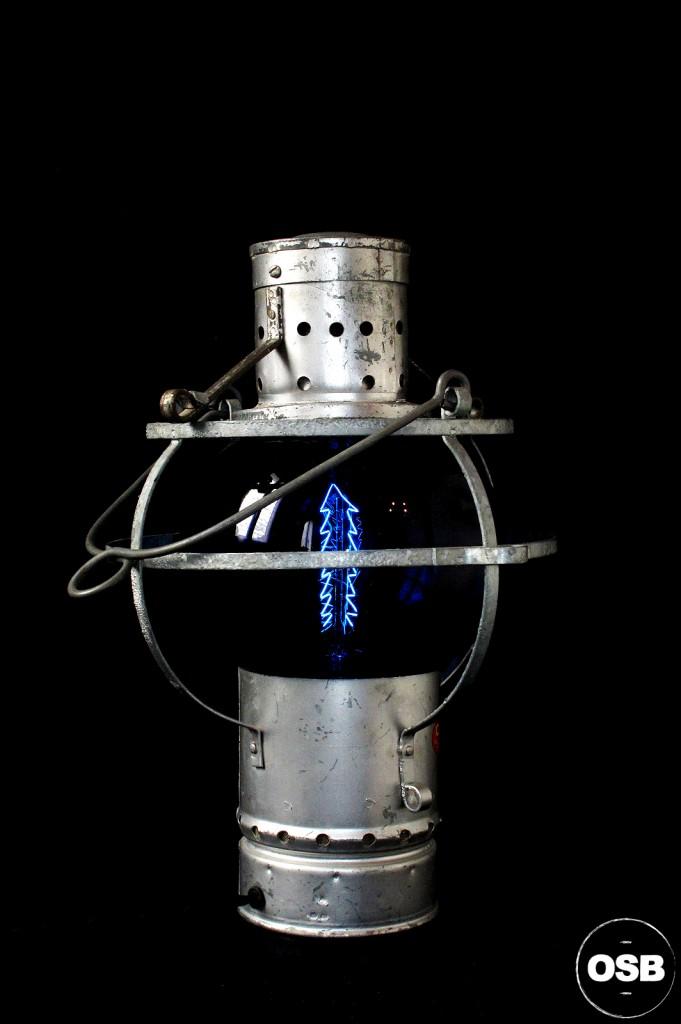 LAMPE LANTERNE COURSIVE BATEAU ANCIEN VERRE BLEU ELECTRIFIEE DECORATION MARINE ANCIEN LUMINAIRE OLD SCHOOL BAZAAR 2