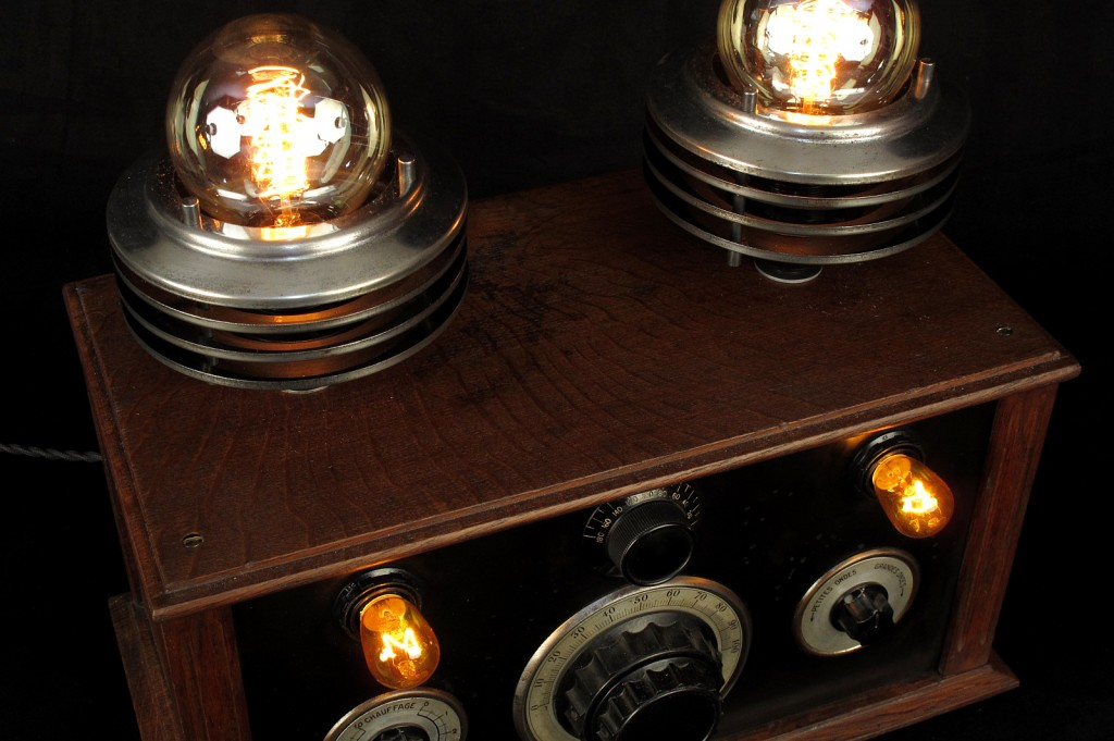 LAMPE TRACTOR CREATION LUMINAIRE LAMPE UNIQUE ESPRIT STEAMPUNK ANTIQUITES DECALEES OLD SCHOOL BAZAAR 5