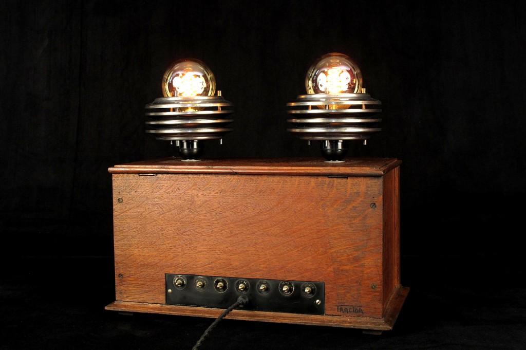 LAMPE TRACTOR CREATION LUMINAIRE LAMPE UNIQUE ESPRIT STEAMPUNK ANTIQUITES DECALEES OLD SCHOOL BAZAAR 6