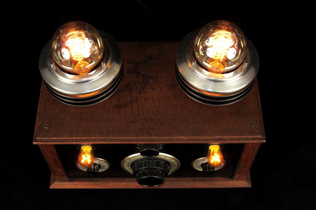 LAMPE TRACTOR CREATION LUMINAIRE LAMPE UNIQUE ESPRIT STEAMPUNK ANTIQUITES DECALEES OLD SCHOOL BAZAAR 8