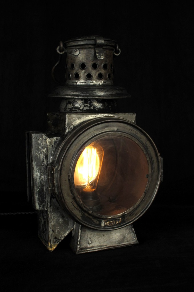 LANTERNE ANCIENNE SNCF LOCOMOTIVE FANAL ANCIEN ELECTRIFIE DECORATION LOFT INDUS OLD SCHOOL BAZAAR LAMPE ANCIENNE DECO 3