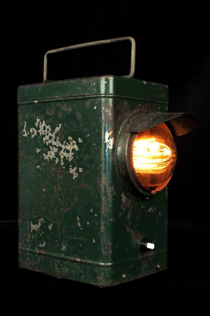 LAMPE ANCIENNE LAMPE PORTABLE ELECTRIFIEE LUMINAIRE ANCIEN PATINE DU TEMPS DECORATIPON LOFT INDUSTRIEL VINTAGE OLD SCHOOL BAZAAR 3