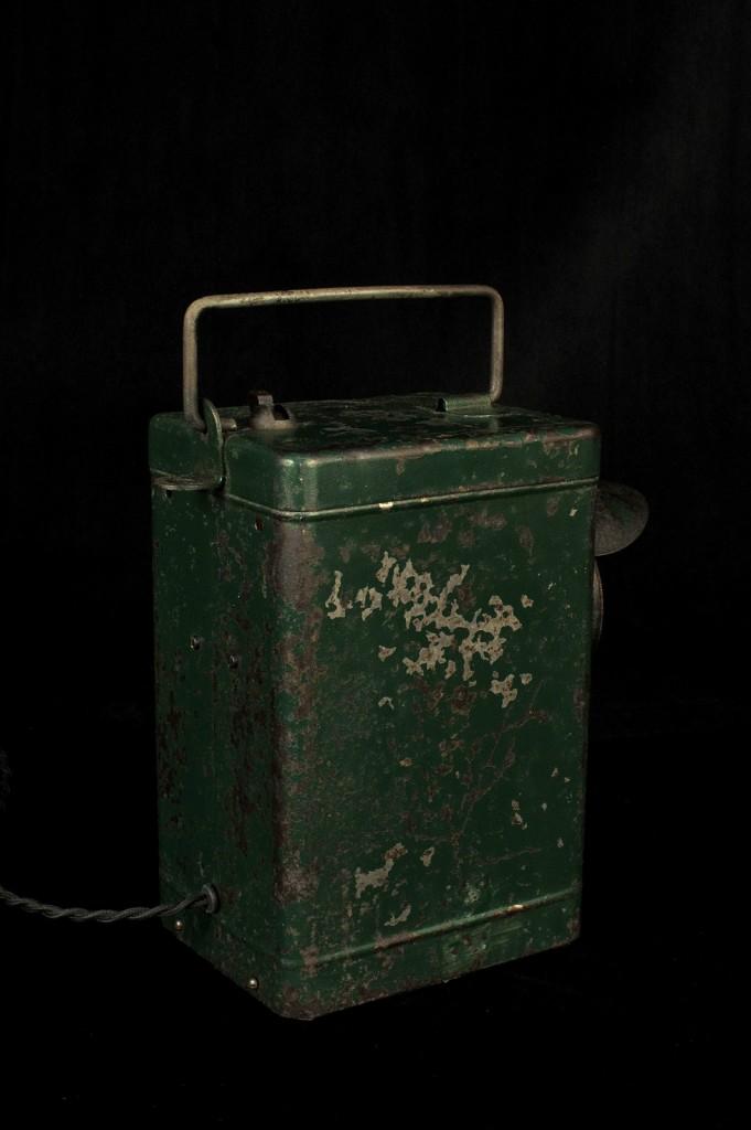 LAMPE ANCIENNE LAMPE PORTABLE ELECTRIFIEE LUMINAIRE ANCIEN PATINE DU TEMPS DECORATIPON LOFT INDUSTRIEL VINTAGE OLD SCHOOL BAZAAR 4
