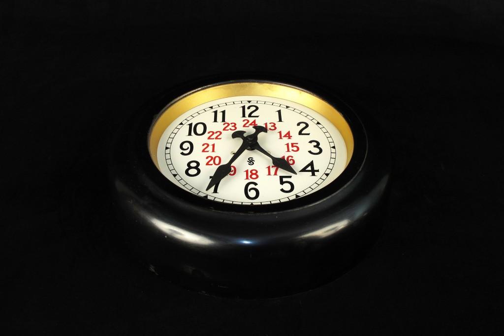 horloge-ancienne-gare-siemens-decoration-loft-esprit-industriel-montre-old-school-bazaar-17