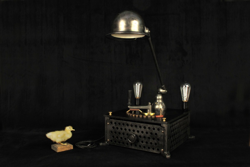 lampe-tractor-creation-luminaire-unique-original-decoration-loft-esprit-industriel-old-school-bazaar-15
