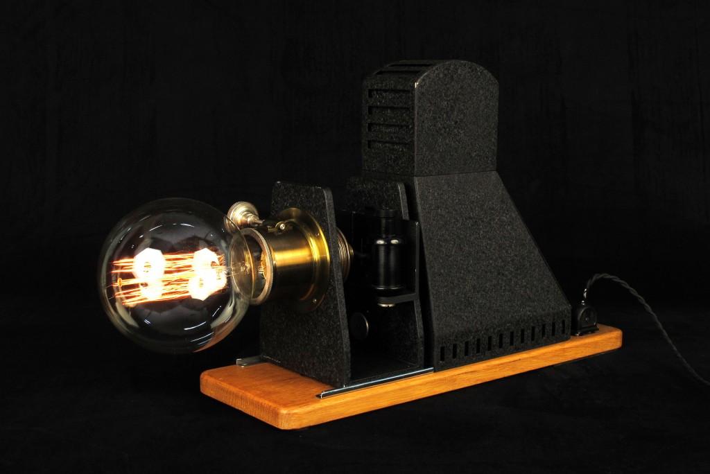 lampe-tractor-creation-luminaire-unique-decoration-esprit-steampunk-loft-industriel-ancien-projecteur-mis-en-lumi7re-old-school-bazaar-9
