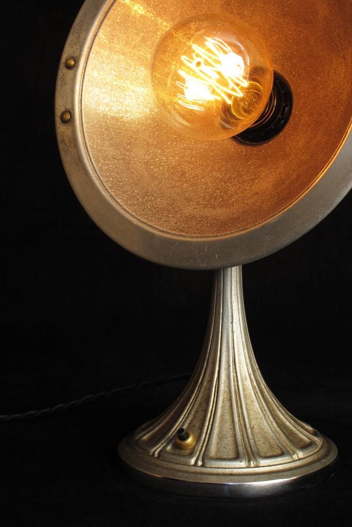 ANCIEN CHAUFFAGE DETOURNE EN LAMPE DECORATION LUMINAIRE ANCIEN OLD SCHOOL BAZAAR 5