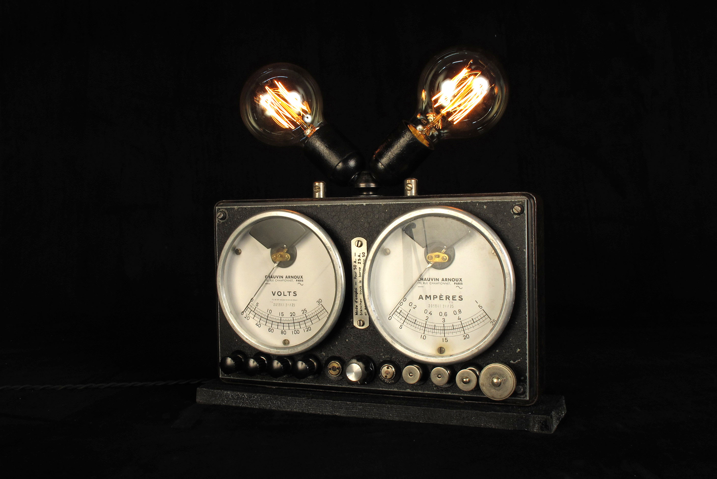 lampe tractor creation luminaire upcycling ampoule edison filament decoration steampunk lamp old. Black Bedroom Furniture Sets. Home Design Ideas