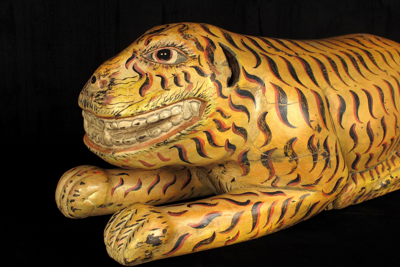 Ancien tigre en bois sculpt et peint vers 1930 old for Arts populaires