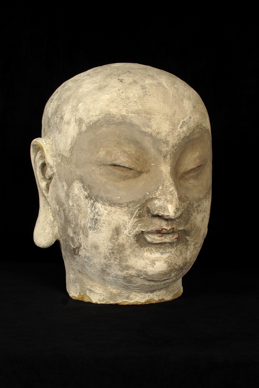 ancien fragment de sculpture en torchis t te de bouddha old school bazaar. Black Bedroom Furniture Sets. Home Design Ideas